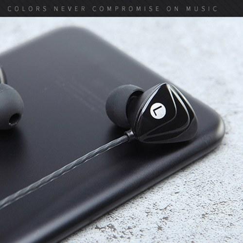 Esportes universal do telefone móvel que penduram o controle do fio do fone de ouvido