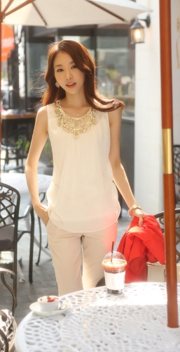 Newest Elegant Women Tank Top Chiffon Front Golden Sequin O-Neck Sleeveless Vest Tops Camisole WhiteApparel &amp; Jewelry<br>Newest Elegant Women Tank Top Chiffon Front Golden Sequin O-Neck Sleeveless Vest Tops Camisole White<br>