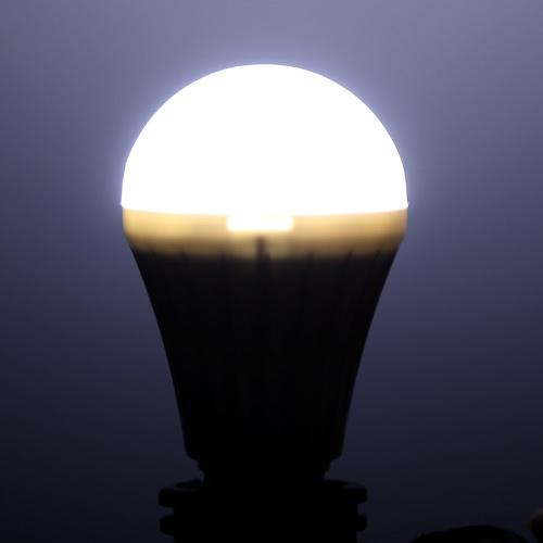 E27 5W LED Bubble Ball Bulb Globe Lamp High Power Energy Saving Light 220V 330LM WhiteHome &amp; Garden<br>E27 5W LED Bubble Ball Bulb Globe Lamp High Power Energy Saving Light 220V 330LM White<br>