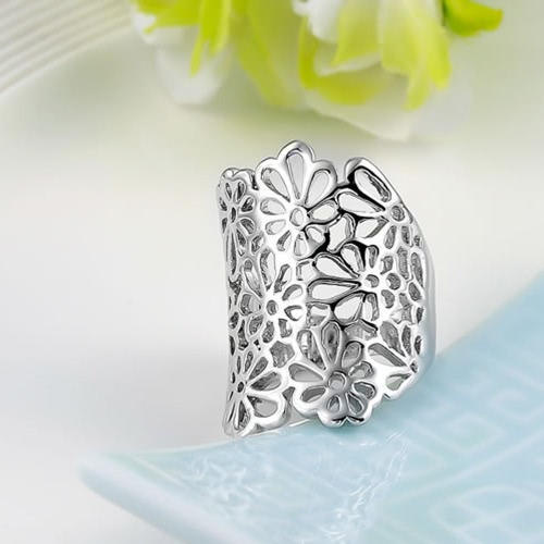 Roxi New Hot Fashion Jewelry Gold Plated Hollow Flower Ring Unique Design Jewelry for Women Wedding Gift GirlsApparel &amp; Jewelry<br>Roxi New Hot Fashion Jewelry Gold Plated Hollow Flower Ring Unique Design Jewelry for Women Wedding Gift Girls<br>