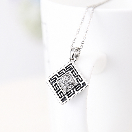 Crystal Jewelry Set Diamond Shape Pendant Necklace &amp; Stud Earrings Zinc Alloy &amp; Rhinestone Fashional Accessories for WomenApparel &amp; Jewelry<br>Crystal Jewelry Set Diamond Shape Pendant Necklace &amp; Stud Earrings Zinc Alloy &amp; Rhinestone Fashional Accessories for Women<br>
