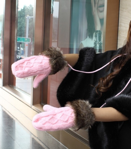 Fashion Winter Women Gloves Mitten Thick Warm Knitted Faux Fur Christmas Cute PinkApparel &amp; Jewelry<br>Fashion Winter Women Gloves Mitten Thick Warm Knitted Faux Fur Christmas Cute Pink<br>