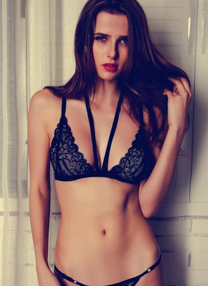 c189d82d4fe2 Mujeres Strapless Bralette sujetador superior florales de encaje sin mangas  de gasa halter ropa interior superior negro