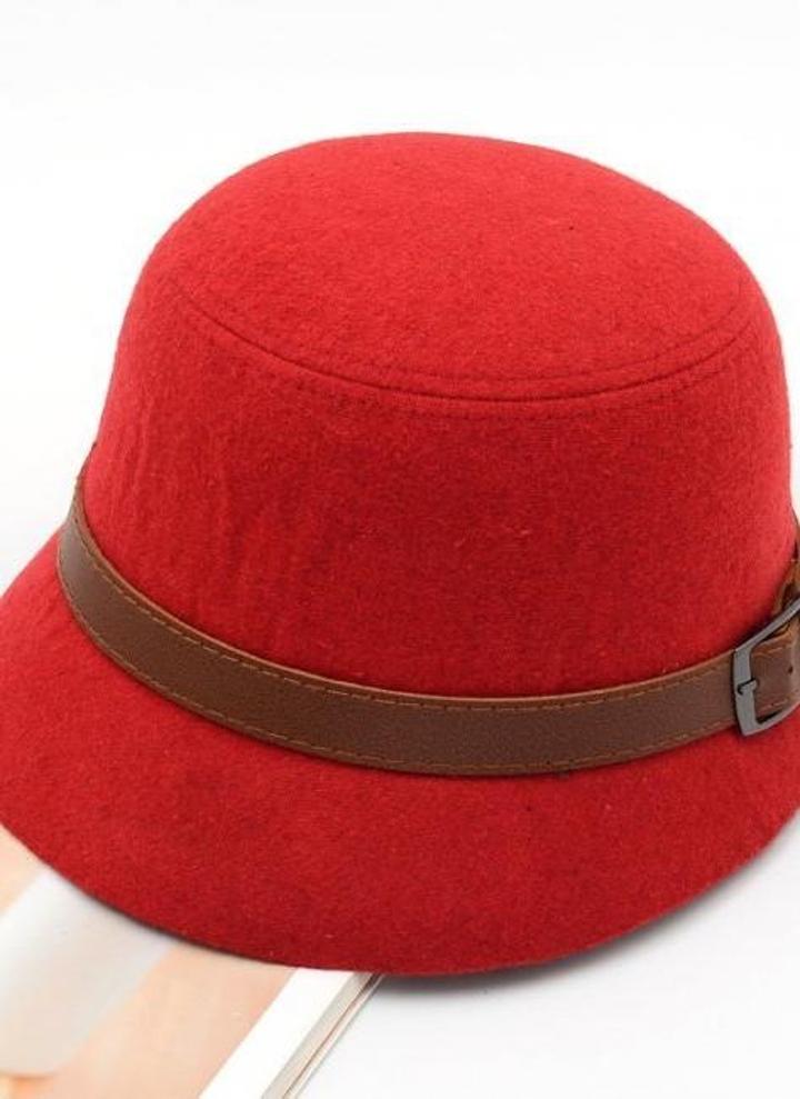 Moda Vintage mujer damas Fedora cúpula del sombrero de fieltro sombreros  cubo sombrero rojo e0bc8477ebd3