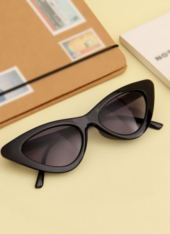 Fashion Retro Sexy Cat Eye Sunglasses UV400 Women Charming Vintage Triangle Sunglasses