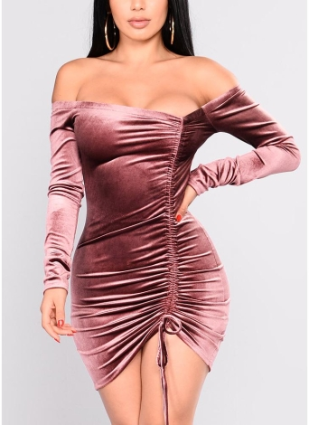Velvet Off the Shoulder Mangas compridas Slash Neck Ruched Drawstring Front Mini Dress