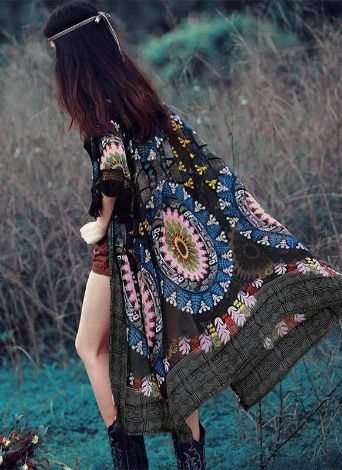 Kimono in chiffon con maniche lunghe a stampa floreale