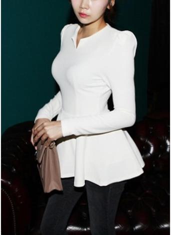 Camiseta con cremallera y dobladillo con cuello en V y manga larga de Puffum para mujer