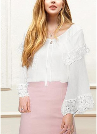 Frauen Plus Size Top überbackene Spitze Rüschen gebunden vorne ausgestellte Bell Ärmel Bluse