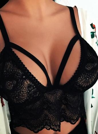 Sexy Кружева полые Strappy Беспроводные Стринги Женская Intimate