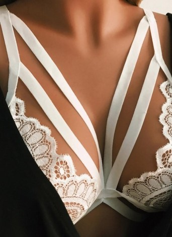 Sexy Lace Hollow Out Strappy Wireless Women's Lingerie