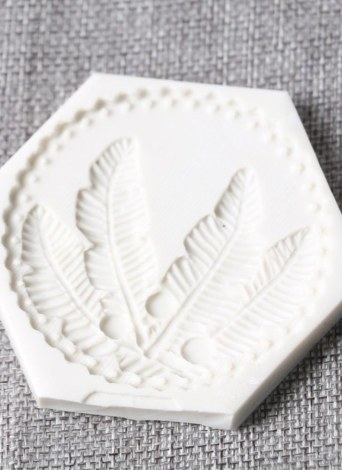 1 Pcs Feather Shape Silicone Fondant Mold Chocolate Molds for Cake Decorating Sugarcraft Resin Polymer Clay