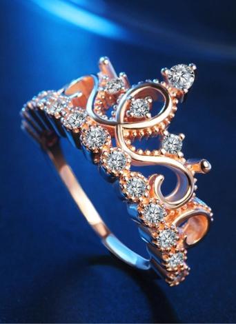 Anillo de diamantes con incrustaciones de corona Anillo de oro rosa con cristales de moda Joyería para accesorios de boda de mujeres y niñas