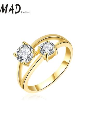Anillo cristalino del oro Romad único de la manera del encanto de fundición del cobre plateado Zircon Rhinestone para la joyería del contrato del banquete de boda de accesorios muchacha de las mujeres