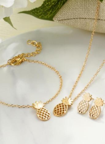 Combinazione del braccialetto delle viti prigioniere dell'orecchio della collana dell'ananas dell'insieme dei gioielli per le donne