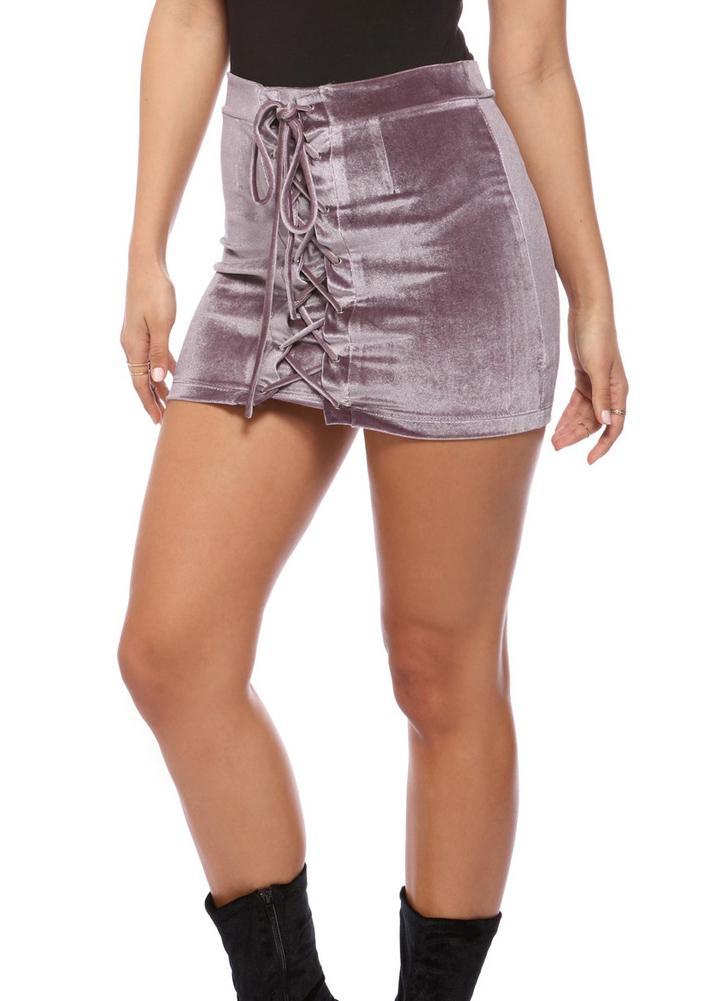 Las mujeres de terciopelo con cordones ajustado de la falda de las correas de Ojales corto Mini partido de la falda Negro / púrpura / Borgoña