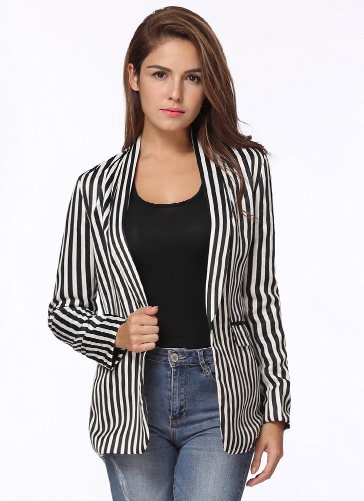 Cappotto elegante da donna elegante con maniche lunghe a contrasto