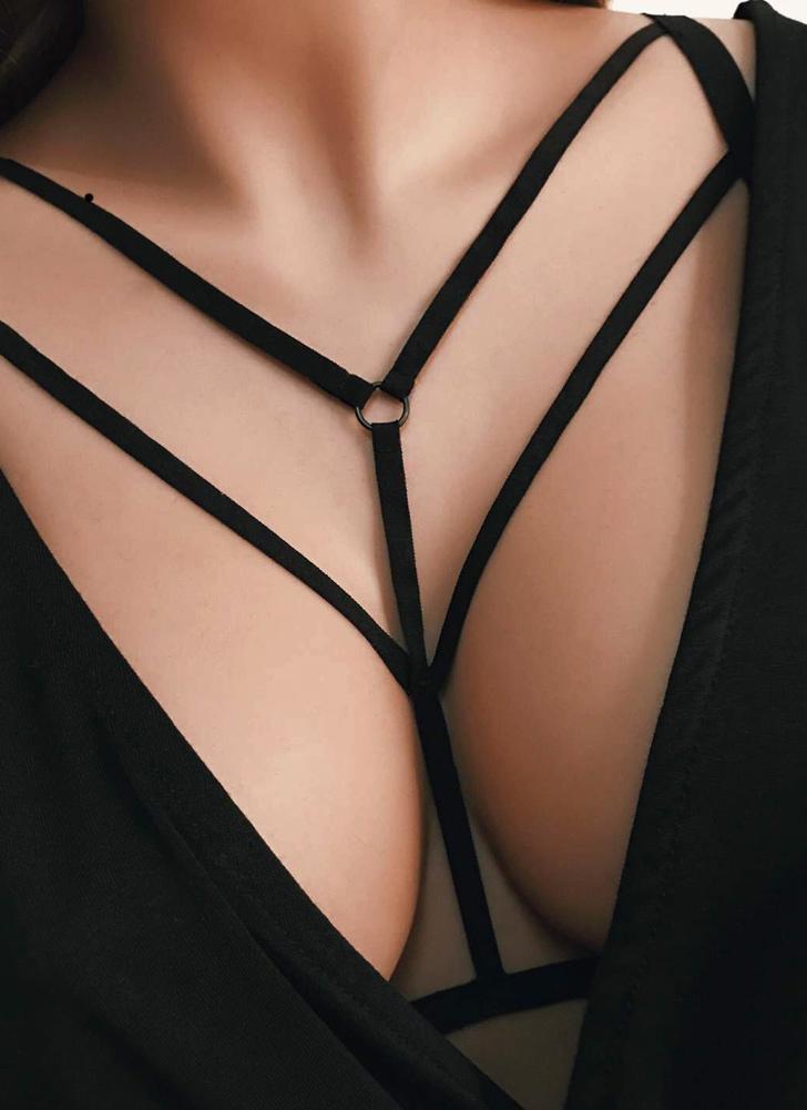 Sexy Bondage Body Cage Halter Correa Elástica Cupless Mujer Bralette