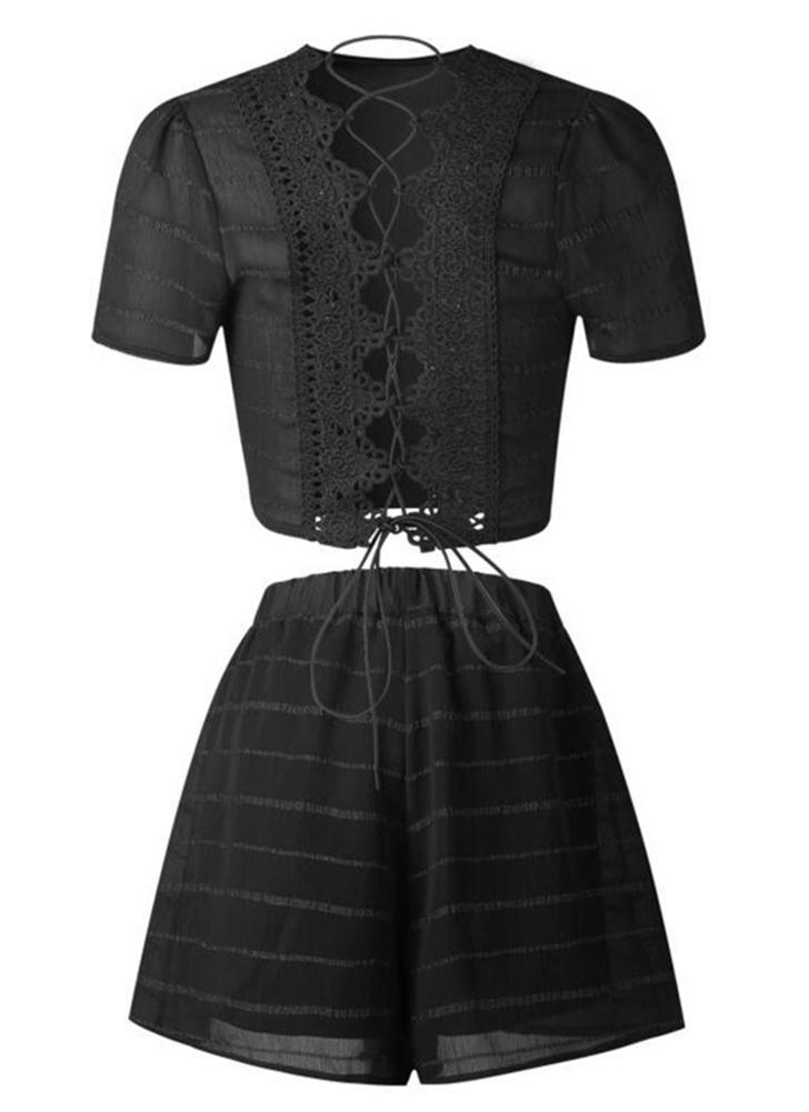 Mulheres Conjunto de duas peças Cortes Top Shorts Lace Up Bandage Cross Over Crochet Lace Elastic Waist Sexy Suit
