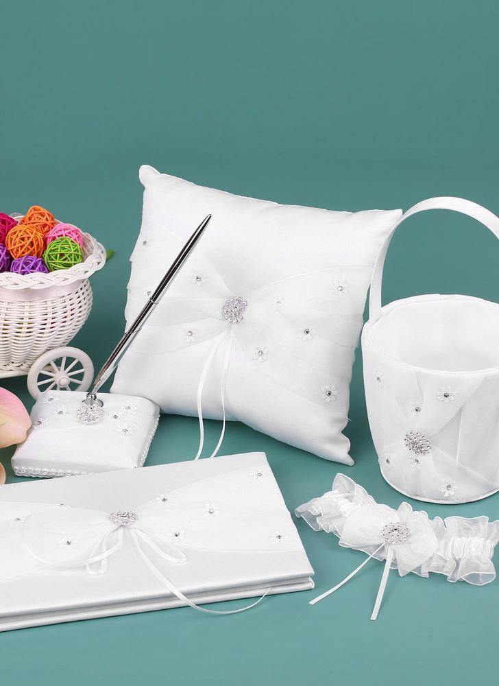 5 unids / set suministros de la boda blanco satén flor niña Basket + Ring Bearer Pillow + libro de visitas + Pen Holder + Bride Liguero