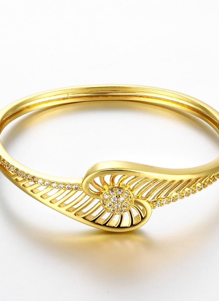 Pulseras de latón encajado con circones AAA con una abertura y huecas líneas accesorios del Fashional de oro y oro rosa para las mujeres