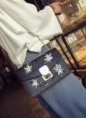 Sac Nouveau Femmes Messenger Bag chaîne sac à bandoulière en cuir PU filles fleur Petit sac à bandoulière noir / blanc