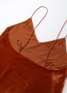Nouveau Femmes Velvet Spaghetti Strap Robe Plongeant V-Neck Backless Self-Tie Strap Curve Hem Sexy Mini robe rose / Brown
