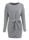 Les femmes d'hiver en tricot croix ceinturent o-cou à manches longues en tricot mini pull robe