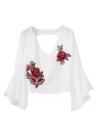 Frauen Stickerei geerntete Top Blumen Applikationen mit V-Ausschnitt Asymmetrisch Flare Ärmel Neutraler Crop Top Bluse Schwarz / Weiß