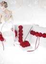 4pcs / set Rifornimenti di cerimonia nuziale del fiore della ragazza del fiore del raso della rosa rossa + 7 * 7 pollici dell'anello del cuscino del bearer + libro dell'ospite + portapenne