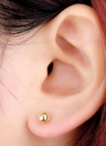 Banhado a ouro de 18k 1Pair do grânulo redondo bola orelha Stud brincos jóias presente para mulheres senhora