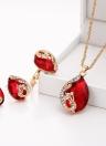 Art und Weise Gold-überzogener Schmucksache-Satz Kristalltropfen-Anhänger-Pfau-Halsketten-Ohrring-Ring dreiteilig für Frau