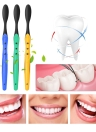 Spazzolino da denti eco-compatibile di spazzolatura di viaggio del dente di spazzola nero morbido del carbone di legna 2pcs per gli adulti