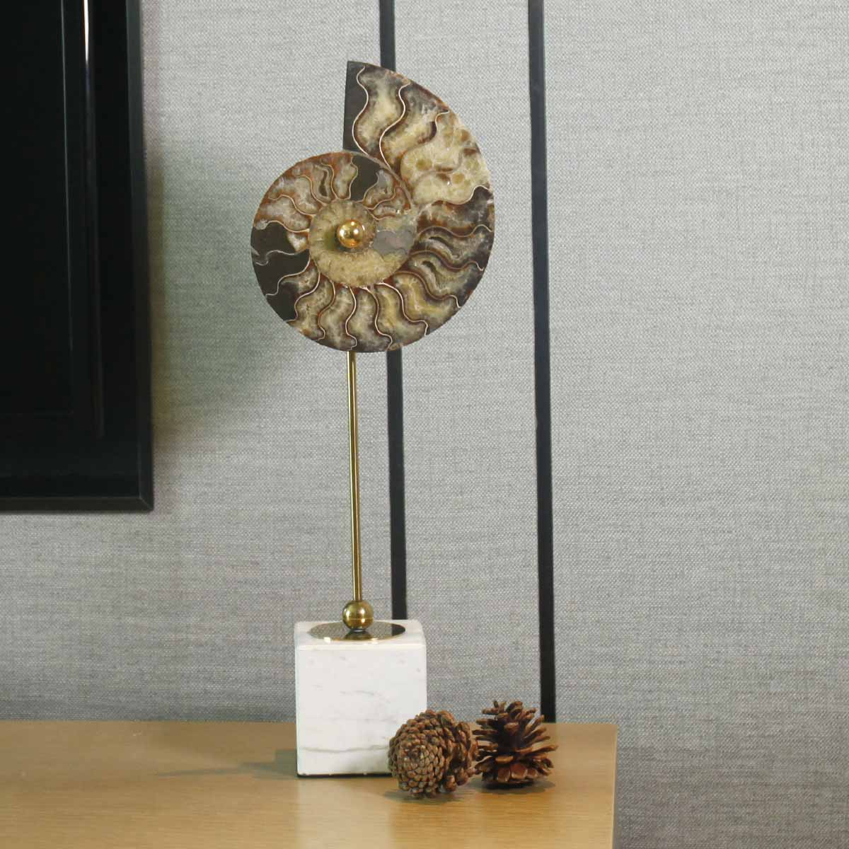 Nautilus Shell Remians Ornament Large Abstract Sculpture White Square Marble Base Post Modernism Villa Decor Living Room