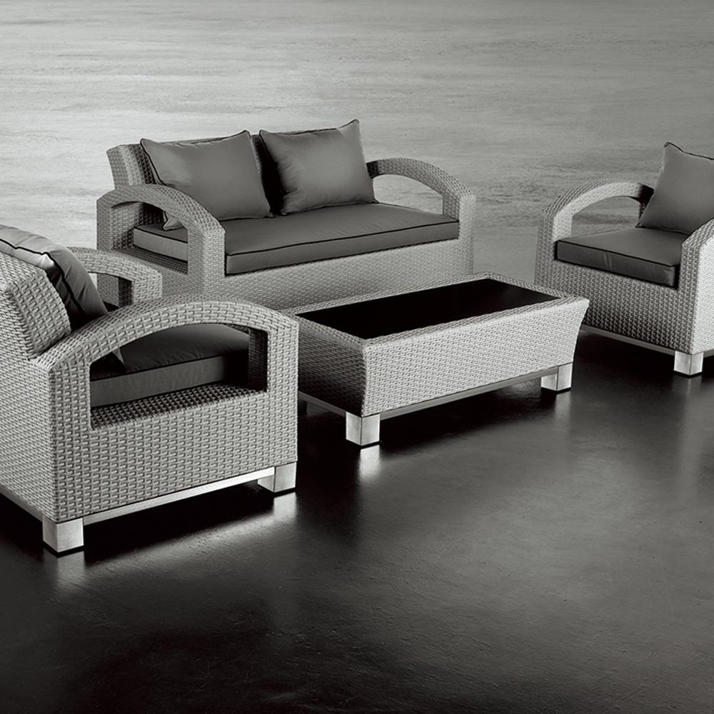 Canapé 2 places + 2 fauteuils + table basse en résine tressée ...