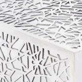Tavolino in alluminio con traforati argento disegno geometrico