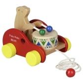 木製のベアドラムのおもちゃに沿って引っ張る