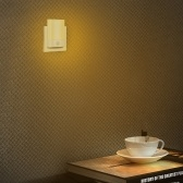 LEDナイトライトウォームプラグウォールモーションセンサー付き自動壁灯寝室のバスルームの階段のオン/オフウォールライト廊下キッチン暖かいホワイトパック2 UKプラグ
