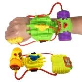 5Mの範囲手首の水の撃つ玩具プラスチックのプールビーチ屋外のシューティングゲームおもちゃのブラスター散水ゲーム(ランダムカラー)