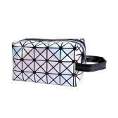 2018 Nuevo bolso cosmético geométrico de moda para mujeres Estuches luminosos de maquillaje Señoras cremallera Cosméticos Organizador Plegable Viaje Maquillaje bolso Clásico 3D Diamond textura Clutchbag