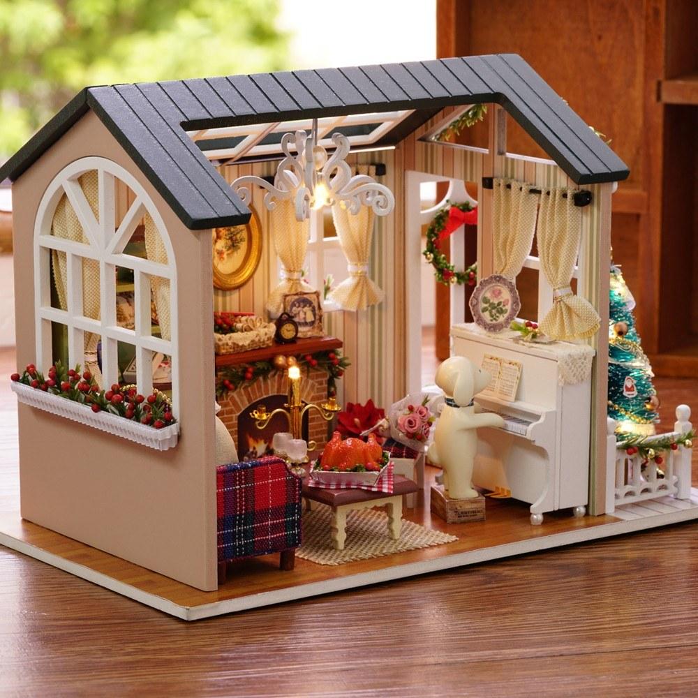 DIY Christmas Miniature Dollhouse Kit Mini 3D Wooden House Room Craft with