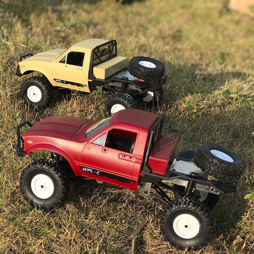 wpl c14 1 16 2 4ghz 4wd rc crawler off road semi truck car with headlight rtr for sale us 42. Black Bedroom Furniture Sets. Home Design Ideas