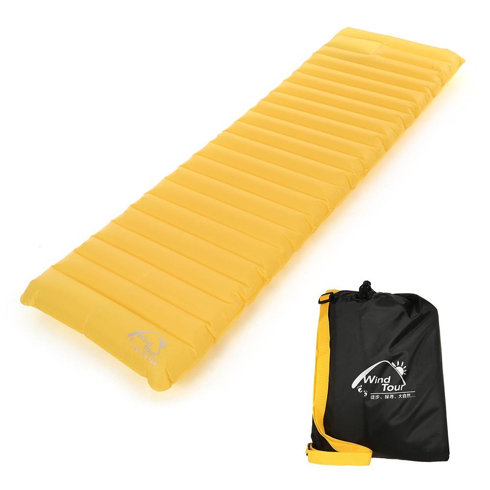 coussin de couchage gonflable ext rieur jaune. Black Bedroom Furniture Sets. Home Design Ideas