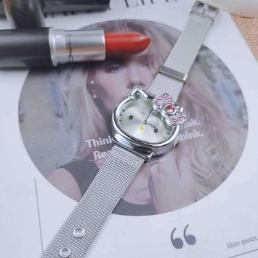 Nettes Mädchenkarikatur-Uhrweiß