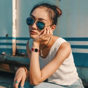 Damen Quarzuhrwaage Konvexe Armbanduhr mit unregelmäßigem Spiegelgürtel