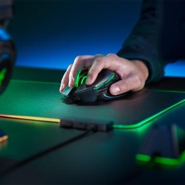 Razer Basilisk Ultimate Hyperspeed Wireless Gaming Mäusemäuse FOCUS + Optischer Sensor 20000 DPI Chroma Lighting 11 programmierbare Tasten 100-Stunden-Akku