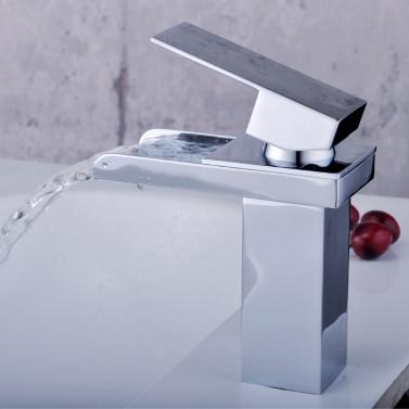 Homgeek Moderne New Einhand-Wasserfall Deck Einfassung Badezimmer-Hahn-Messing Verchromte Verbreitet Wannen-Bassin-Mischer-Hahn-Home Hotel