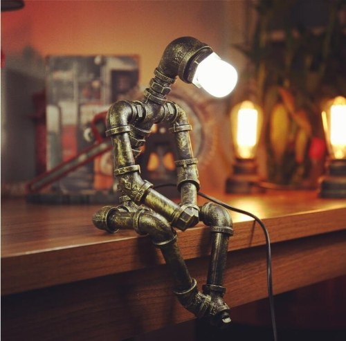 Creative Iron Pipe Industrial Loft Estilo Retro Coffee Bar Robot Water Pipe Lámpara de mesa (sin bombilla)