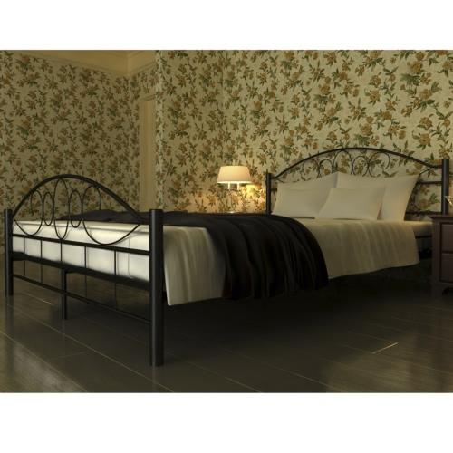 cama metal negro con colchón de 140 x 200 cm