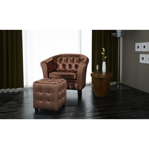 sillón Chesterfield con el bronce heces